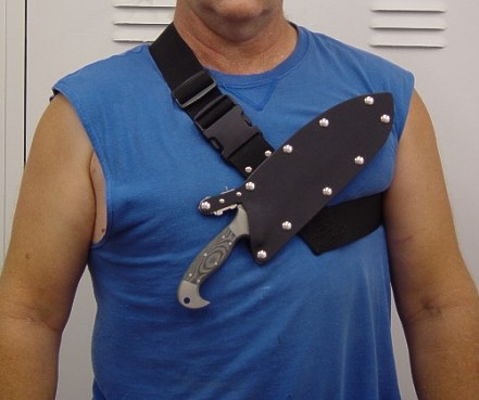 Wearing the locking knife sheath sternum harness