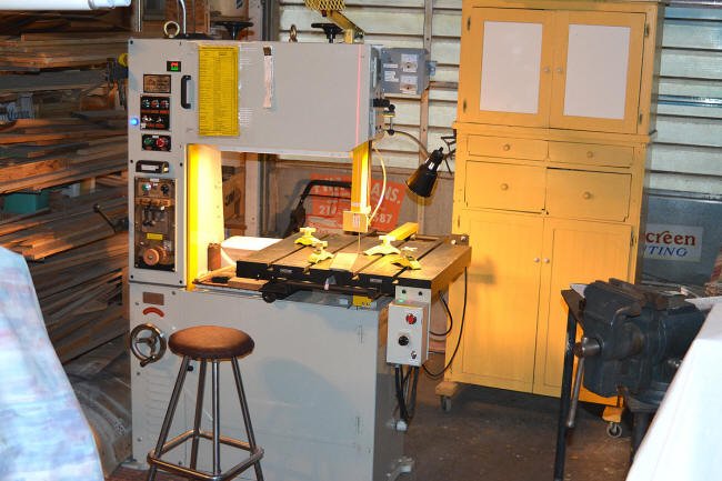 "28"" throat metal cutting bandsaw"